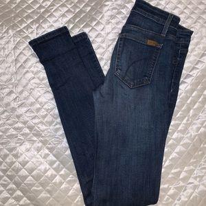 Joe's Mid rise skinny Jeans. Size 25
